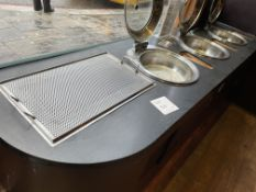 3 GLASS LID HOT PLATES AND COUNTER