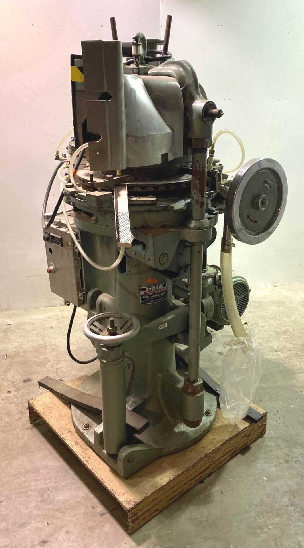 Stokes 566 Tri-Layer 35 Station Rotary Tablet Press