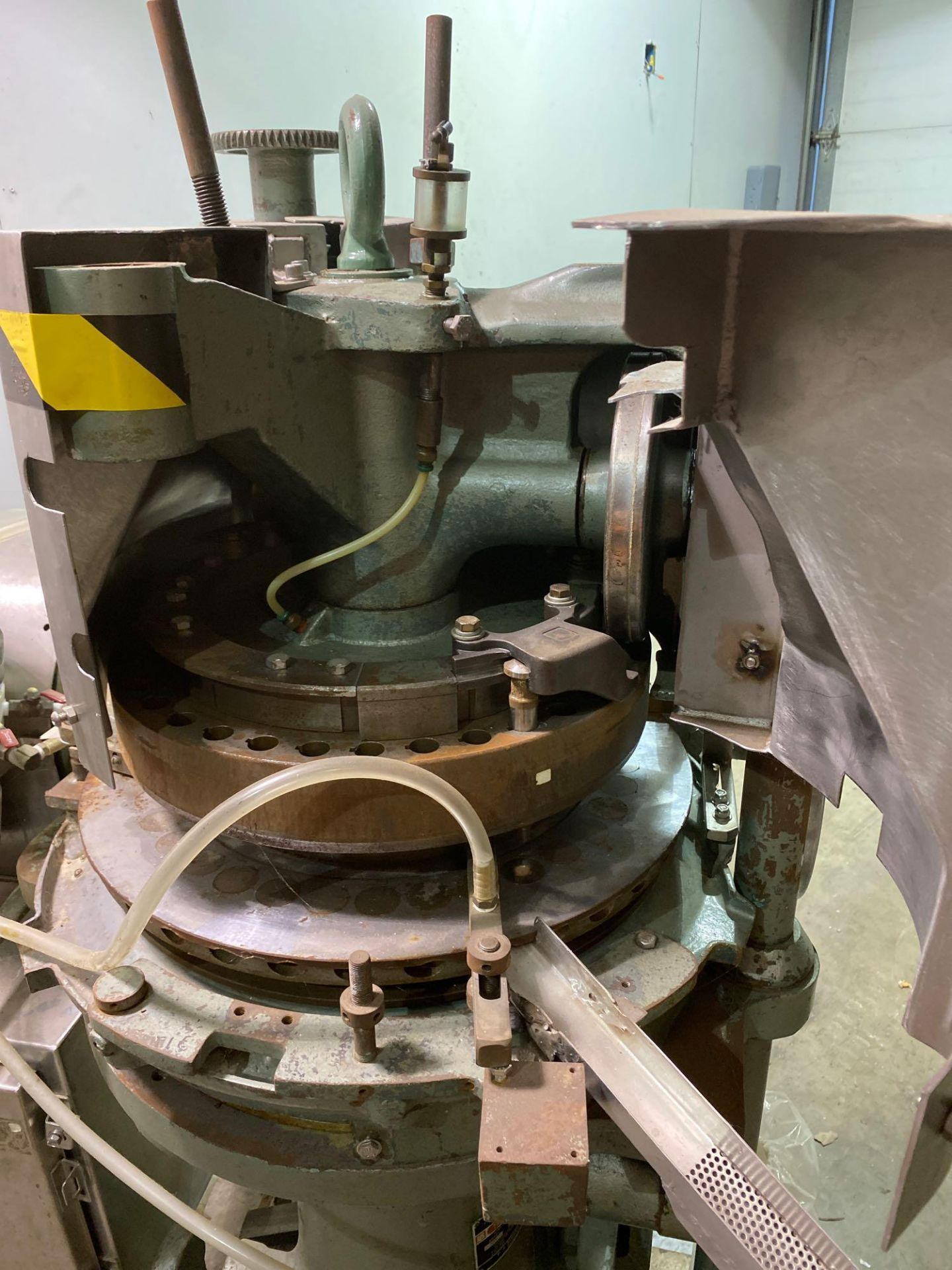Stokes 566 Tri-Layer 35 Station Rotary Tablet Press - Image 13 of 14
