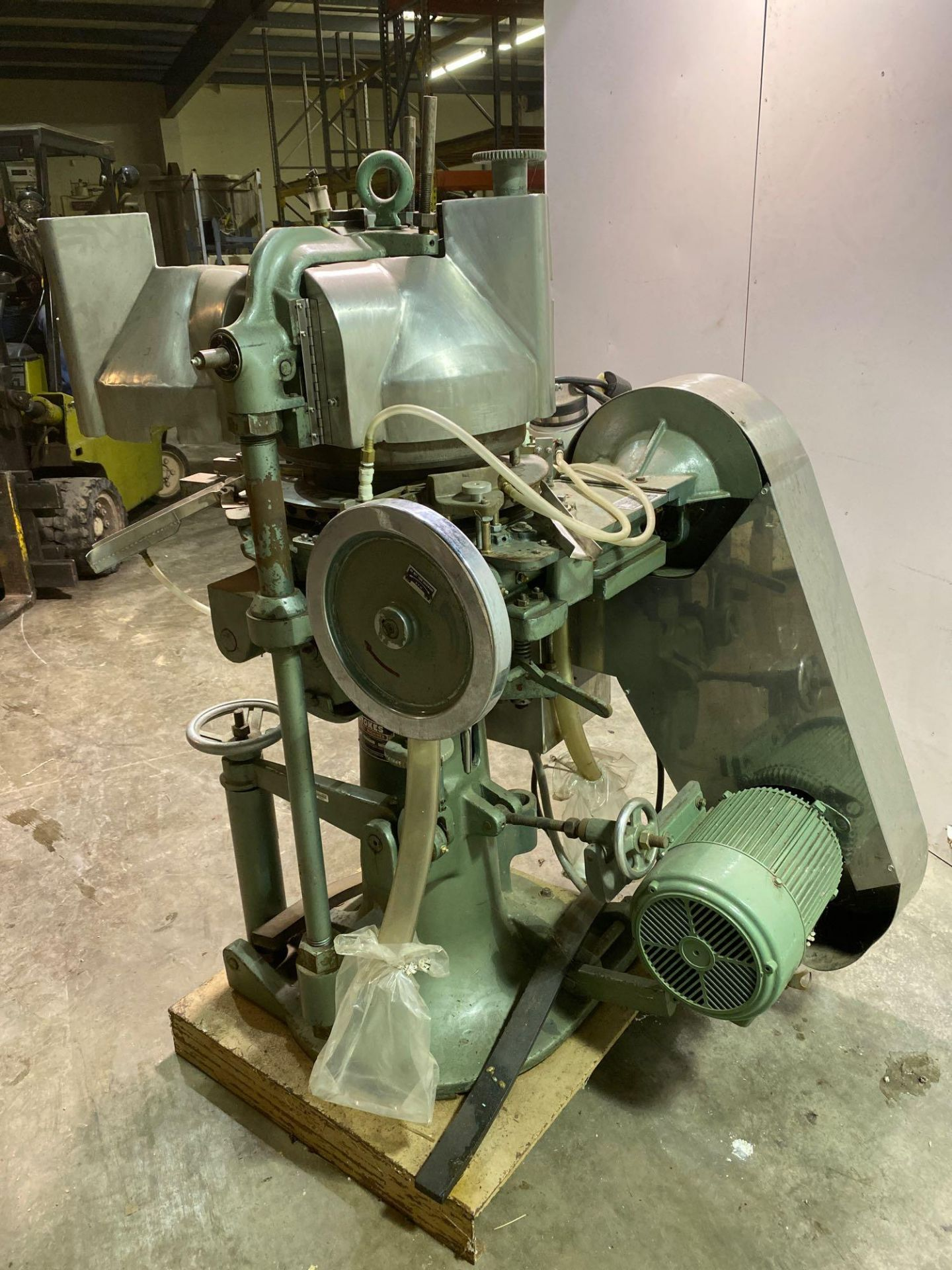 Stokes 566 Tri-Layer 35 Station Rotary Tablet Press - Image 10 of 14