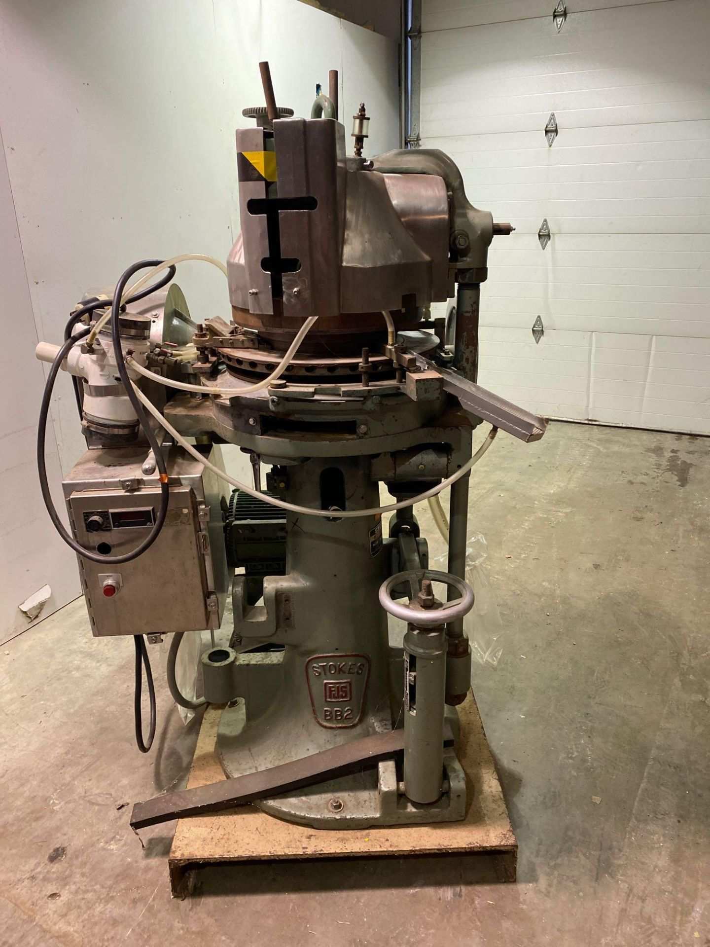 Stokes 566 Tri-Layer 35 Station Rotary Tablet Press - Image 3 of 14