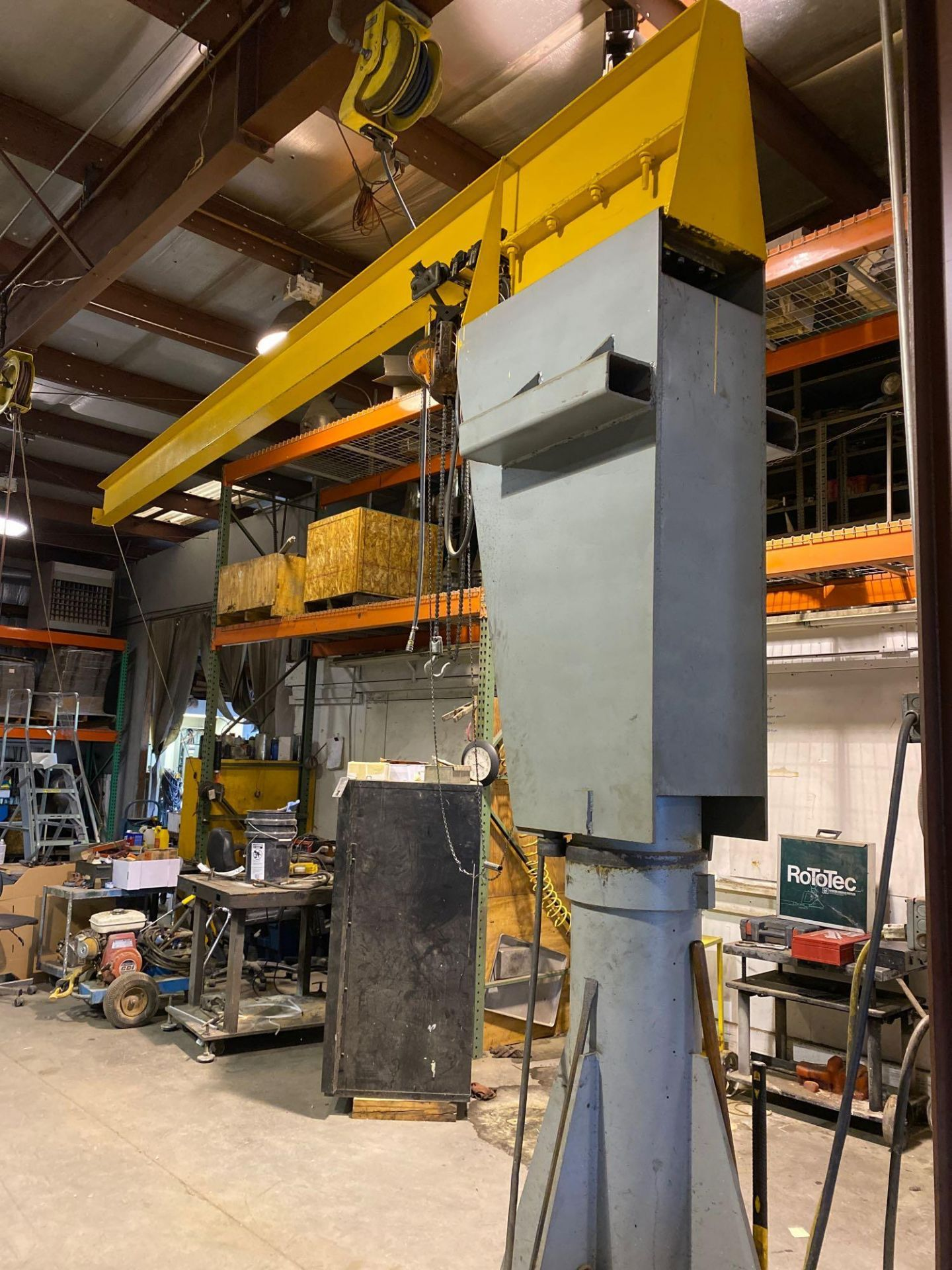 Over Head Jib Crane with Shannon Hoist and Yale Pulley System - Image 5 of 13