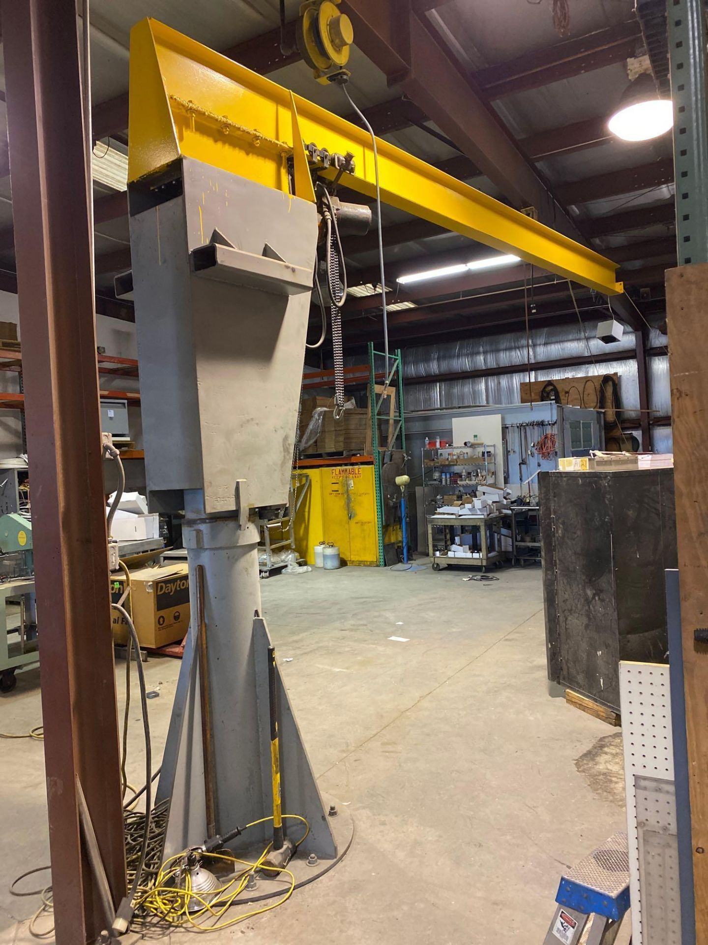 Over Head Jib Crane with Shannon Hoist and Yale Pulley System