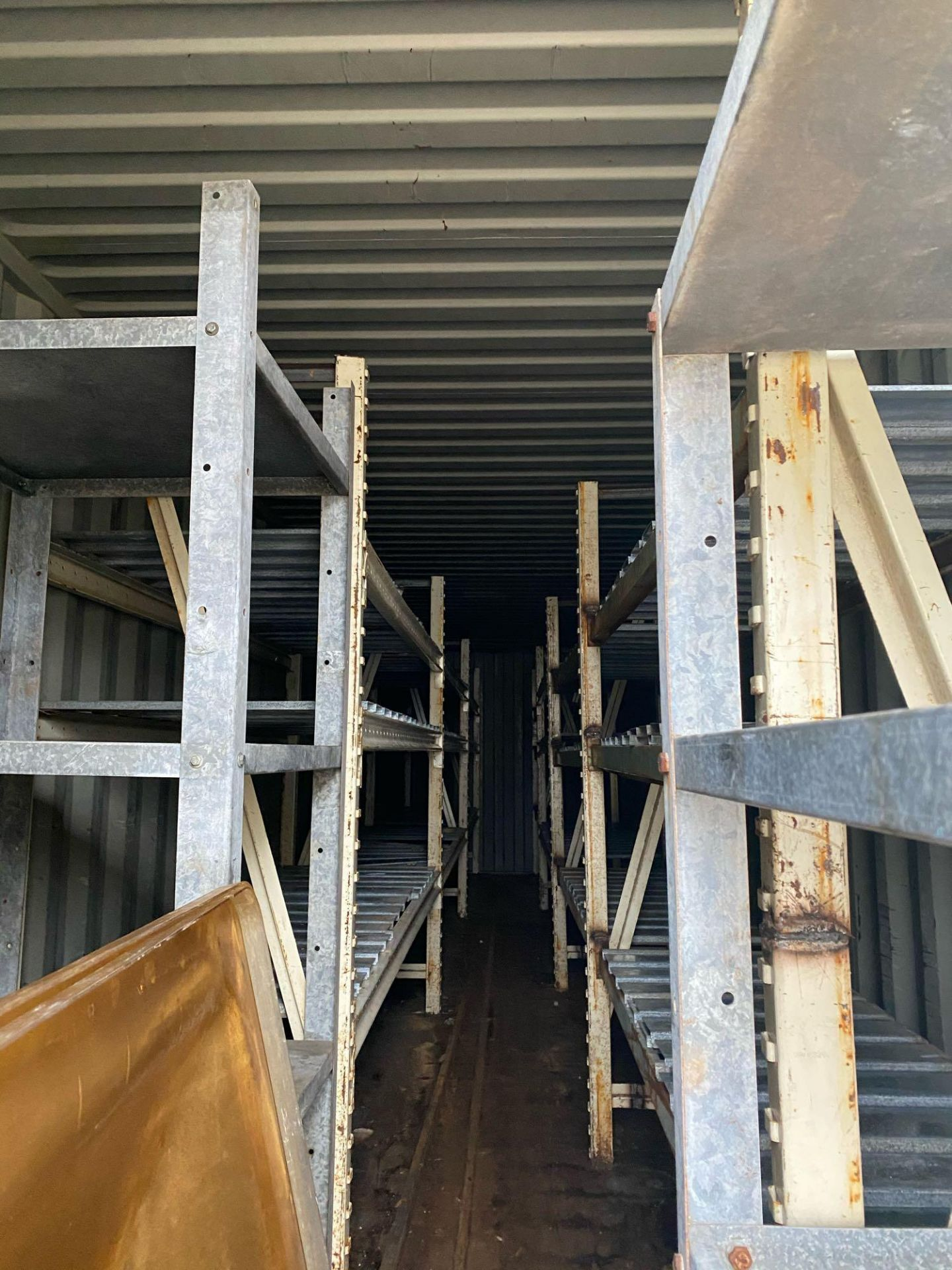 Shipping Containers - Image 4 of 4