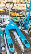 Hand hydraulic pallet truck A1081461