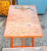 Collapsible steel work bench ** No vice **