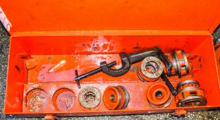 Ridgid manual pipe threader c/w carry case
