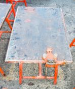 Collapsible steel work bench c/w pipe vice