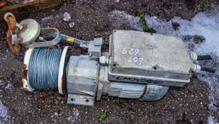 110v electric winch ** Parts missing **