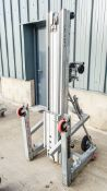 Sumner 2010 manual hoist LK84X928