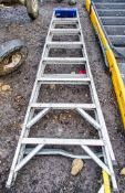 8 tread aluminium step ladder A943284