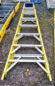 8 tread glass fibre framed step ladder A670161