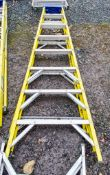 8 tread glass fibre framed step ladder A860984