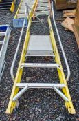 3 tread glass fibre framed step ladder A696982