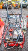 Petrol driven pressure washer/flag cleaner