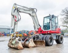 Takeuchi TB295W 10 tonne wheeled excavator Year: 2017 S/N: 300404 Recorded Hours: 5282 blade