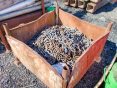 Stillage of chain & bag of chain snags