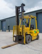 Hyster H2.50XM 2.5 tonne diesel fork lift truck Year: 1999 S/N: 13305W Recorded Hours: 13764 ** Fork