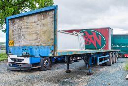 M&G 13.6 metre tri axle flat bed trailer Year: 1997