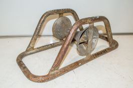 Pipe roller L0806145