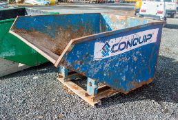 Fork lift tipping skip A956173
