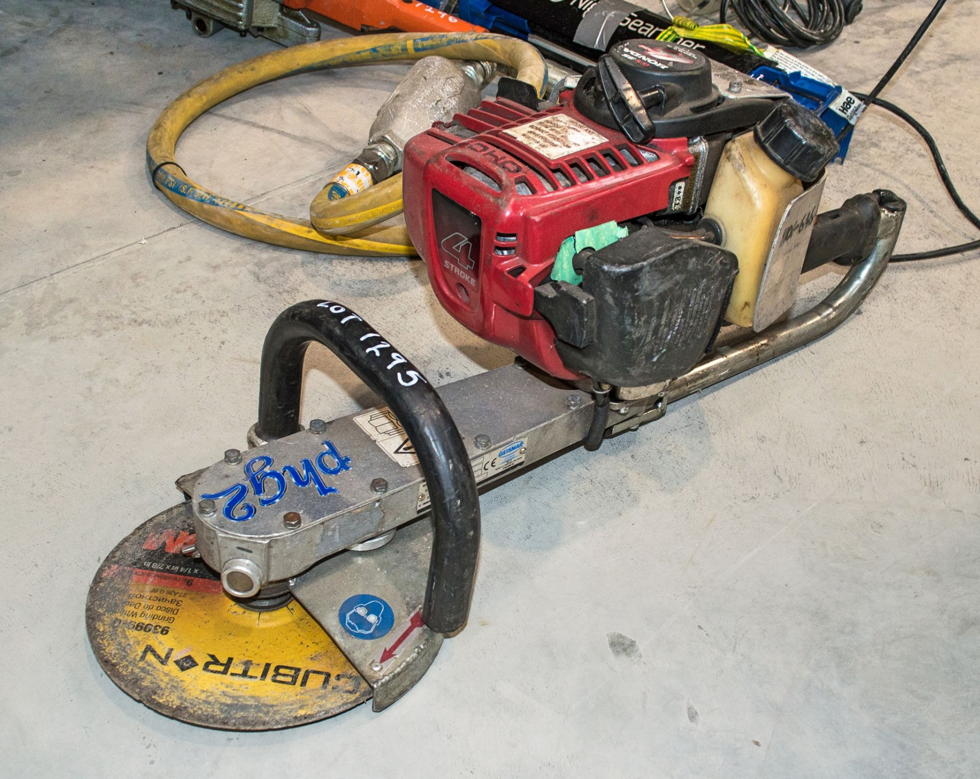 Geismar PHG2 petrol driven 4 stroke cut off saw