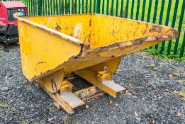 Fork lift tipping skip A758372