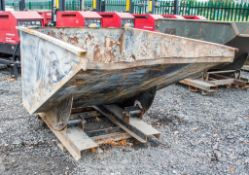 Fork lift tipping skip A67092