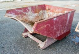Fork lift tipping skip A1079306