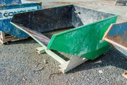 Fork lift tipping skip A1079308
