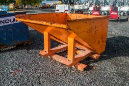 Fork lift tipping skip A949495