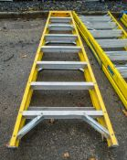8 tread glass fibre framed step ladder A670191