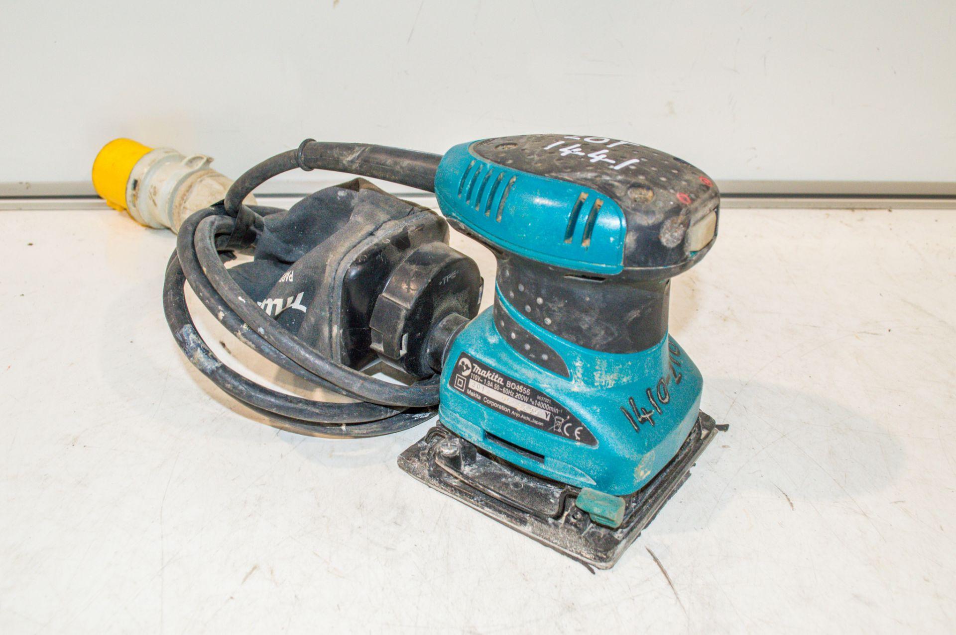 Makita BO4556 110v palm sander 14102109