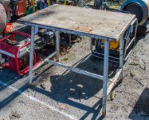 Collapsible steel work bench E0001573