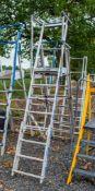 Aluminium adjustable step ladder/podium A857144