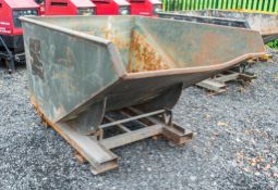 Fork lift tipping skip A767100
