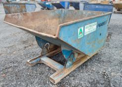 Steel fork lift tipping skip A640959