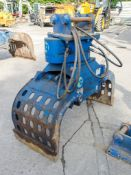 McQuaid Engineering HL69 hydraulic selector grab to suit 6 to 9 tonne machine Year: 2014 c/w