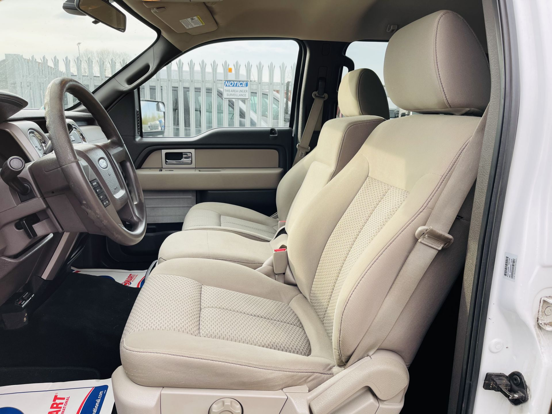 Ford F-150 XLT 4.6L V8 Super-crew 4WD 2010 ' 2010 Year' 6 Seats - Air con - NO RESERVE - Image 7 of 24