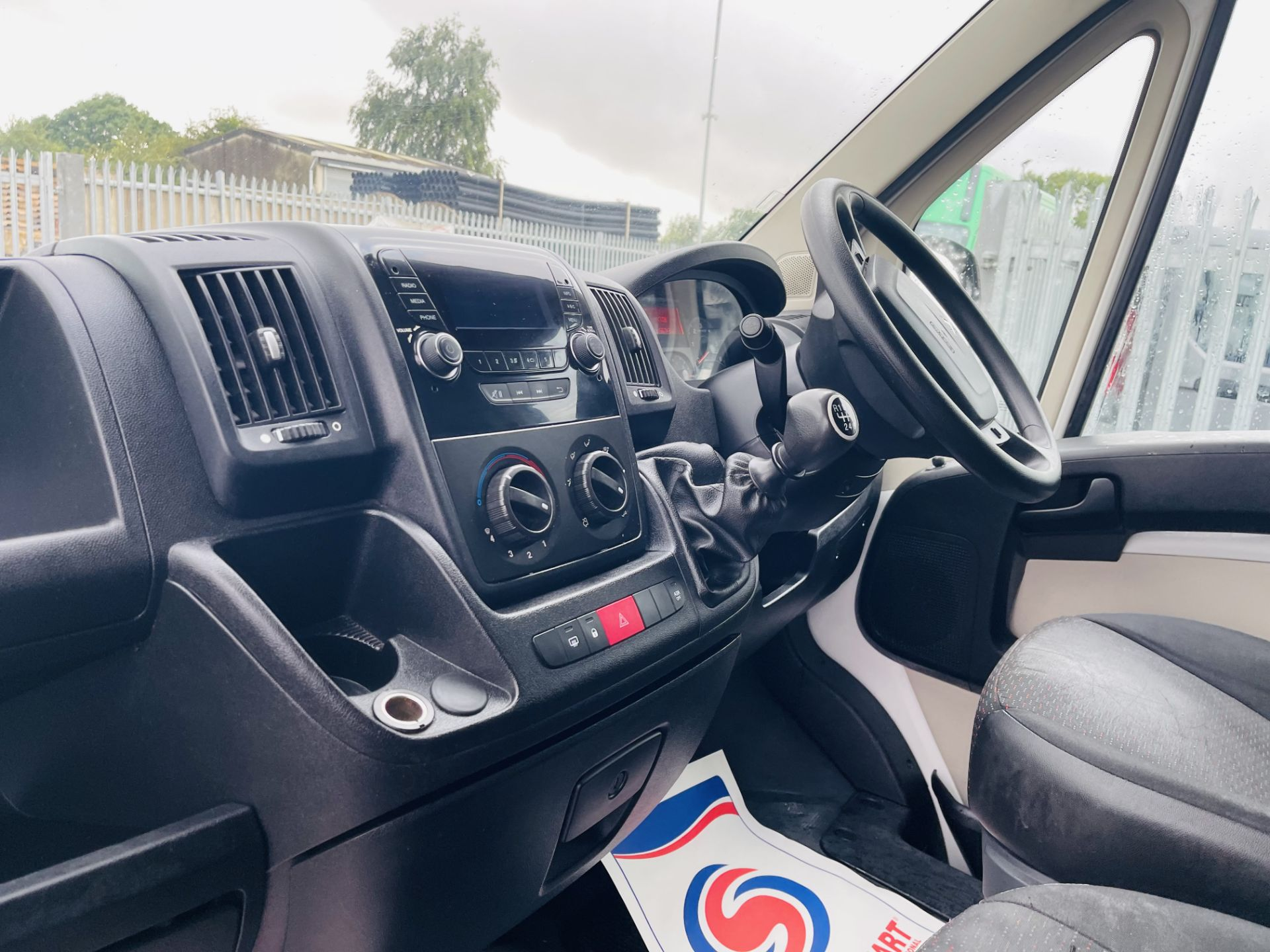 ** ON SALE ** Peugeot Boxer 2.0 BlueHDI L4 H3 2017 '66 Reg' Panel Van - LCV - Euro 6b ULEZ Compliant - Image 8 of 18