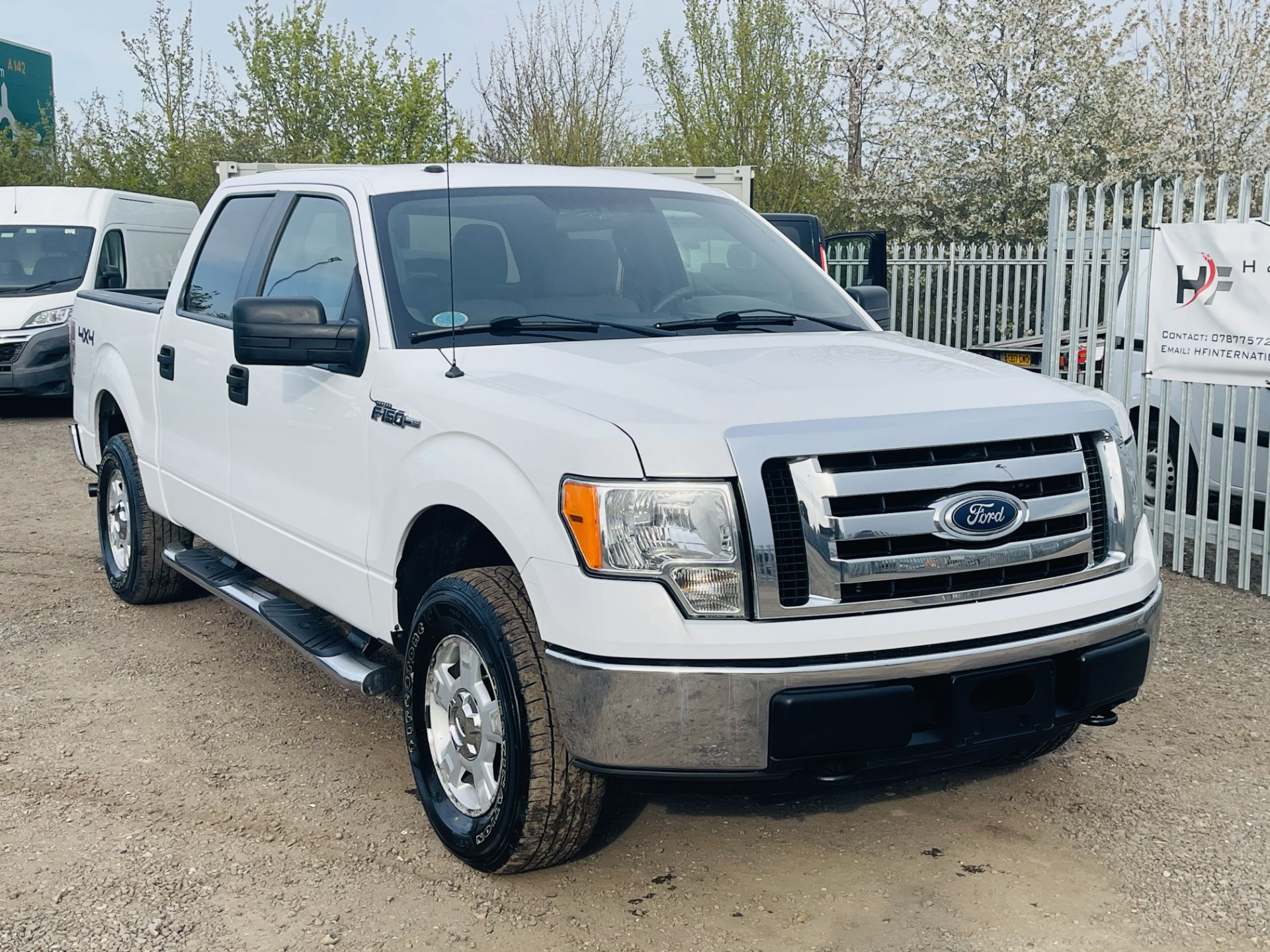 Ford F-150 XLT 4.6L V8 Super-crew 4WD 2010 ' 2010 Year' 6 Seats - Air con - NO RESERVE - Image 2 of 24