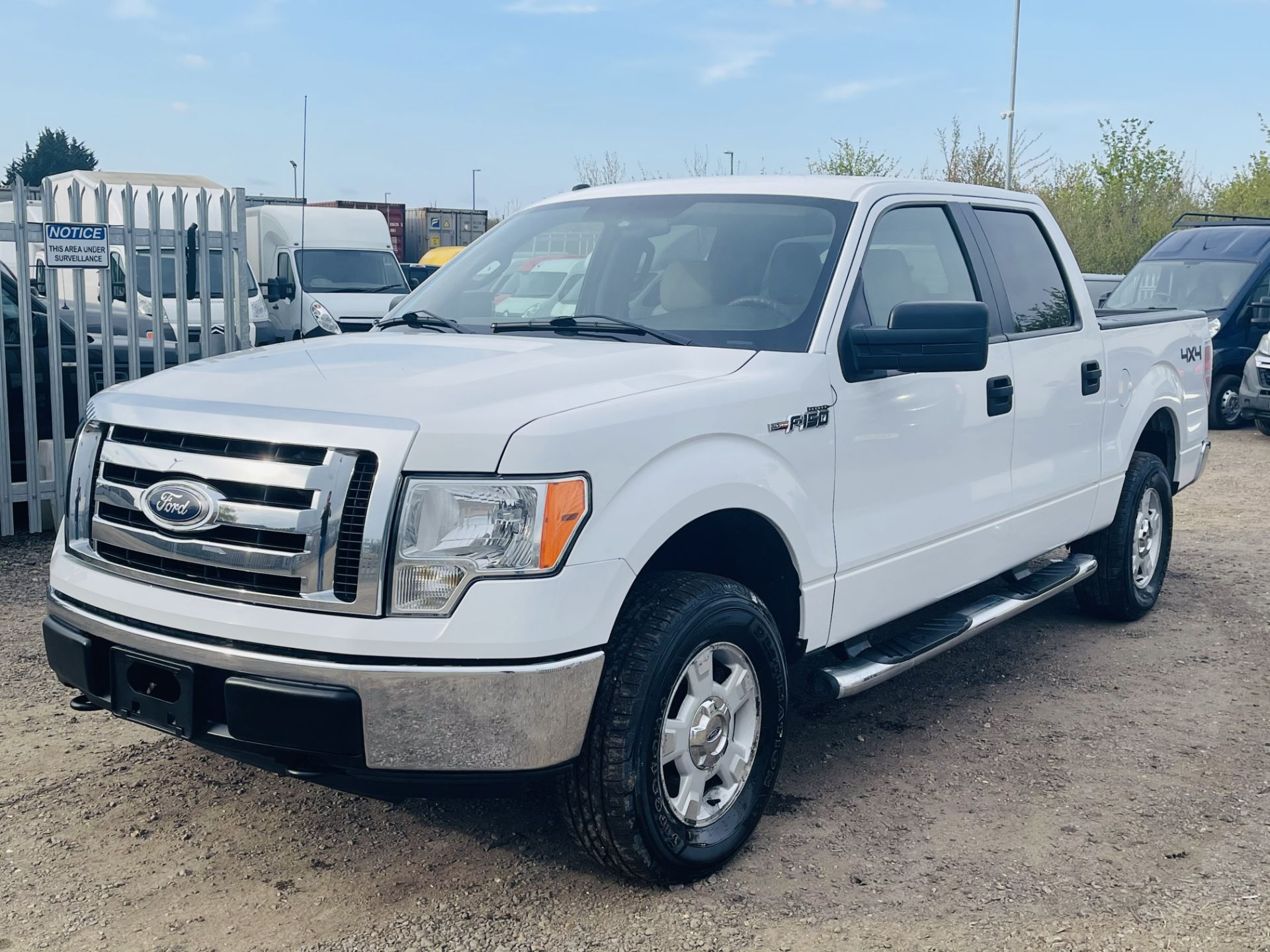Ford F-150 XLT 4.6L V8 Super-crew 4WD 2010 ' 2010 Year' 6 Seats - Air con - NO RESERVE - Image 4 of 24