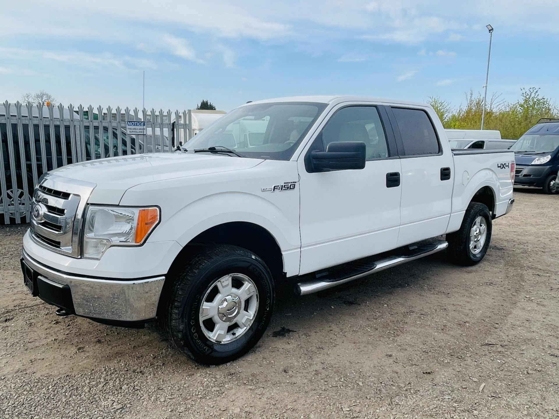 Ford F-150 XLT 4.6L V8 Super-crew 4WD 2010 ' 2010 Year' 6 Seats - Air con - NO RESERVE - Image 5 of 24