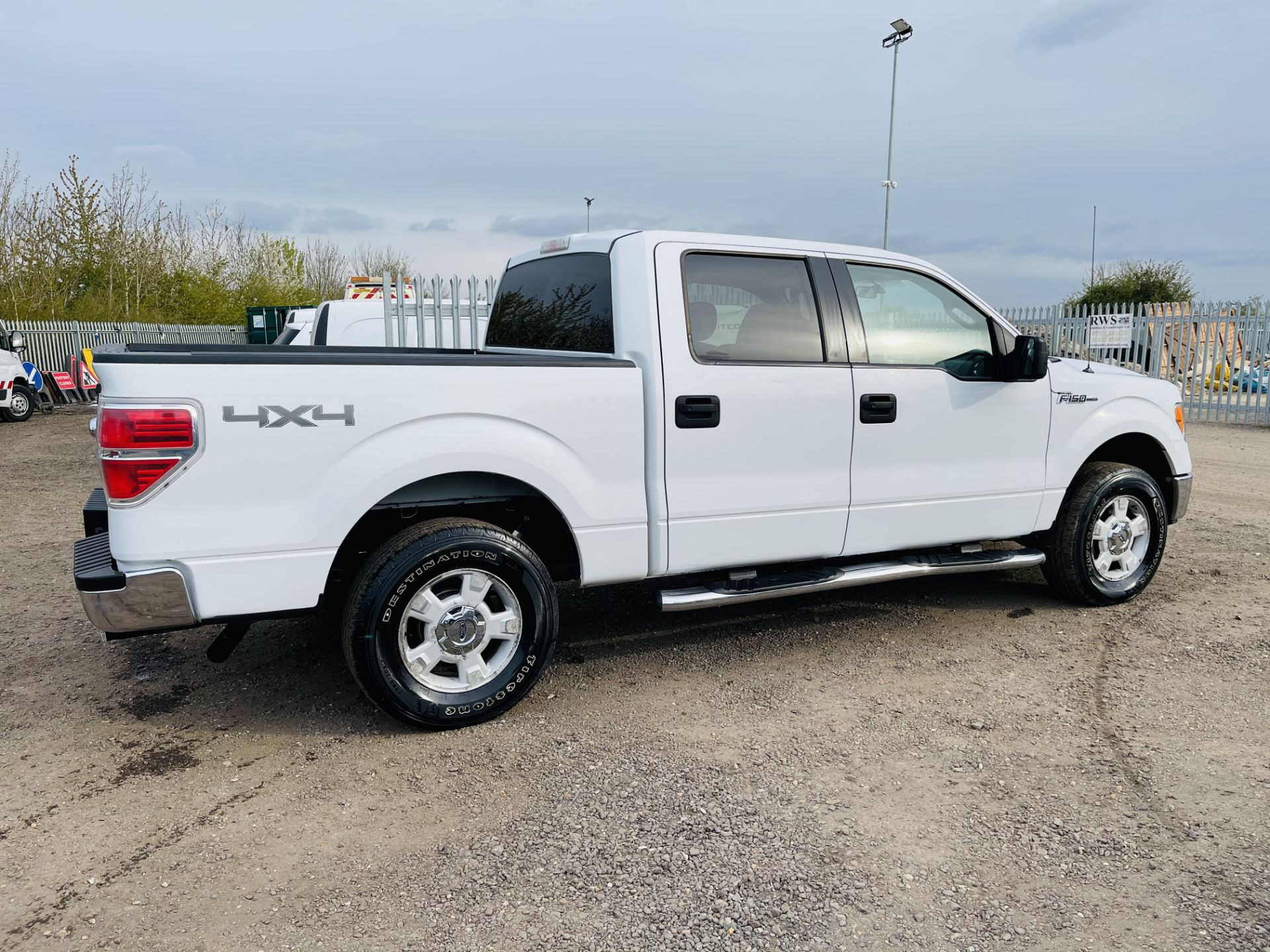 Ford F-150 XLT 4.6L V8 Super-crew 4WD 2010 ' 2010 Year' 6 Seats - Air con - NO RESERVE - Image 16 of 24