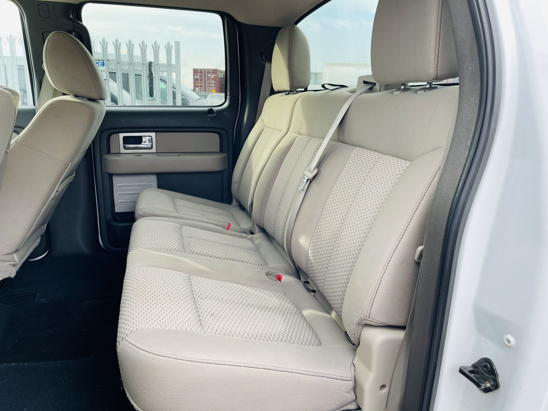 Ford F-150 XLT 4.6L V8 Super-crew 4WD 2010 ' 2010 Year' 6 Seats - Air con - NO RESERVE - Image 11 of 24