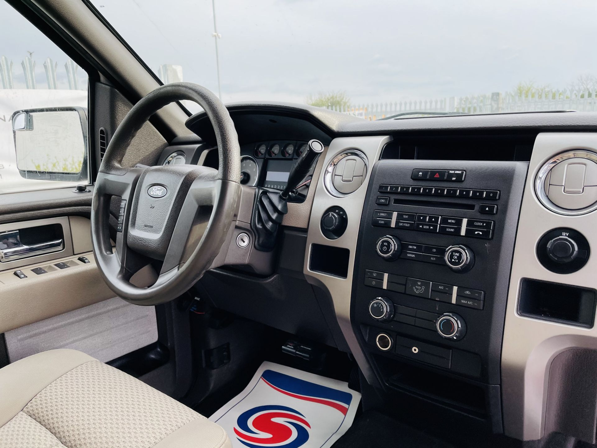 Ford F-150 XLT 4.6L V8 Super-crew 4WD 2010 ' 2010 Year' 6 Seats - Air con - NO RESERVE - Image 21 of 24