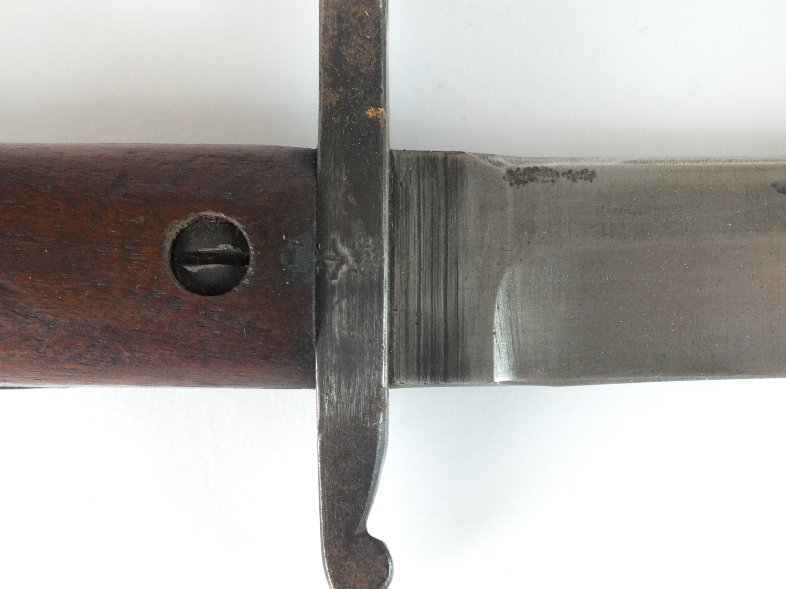 A Canadian WW1 bayonet and scabbard - Image 3 of 5