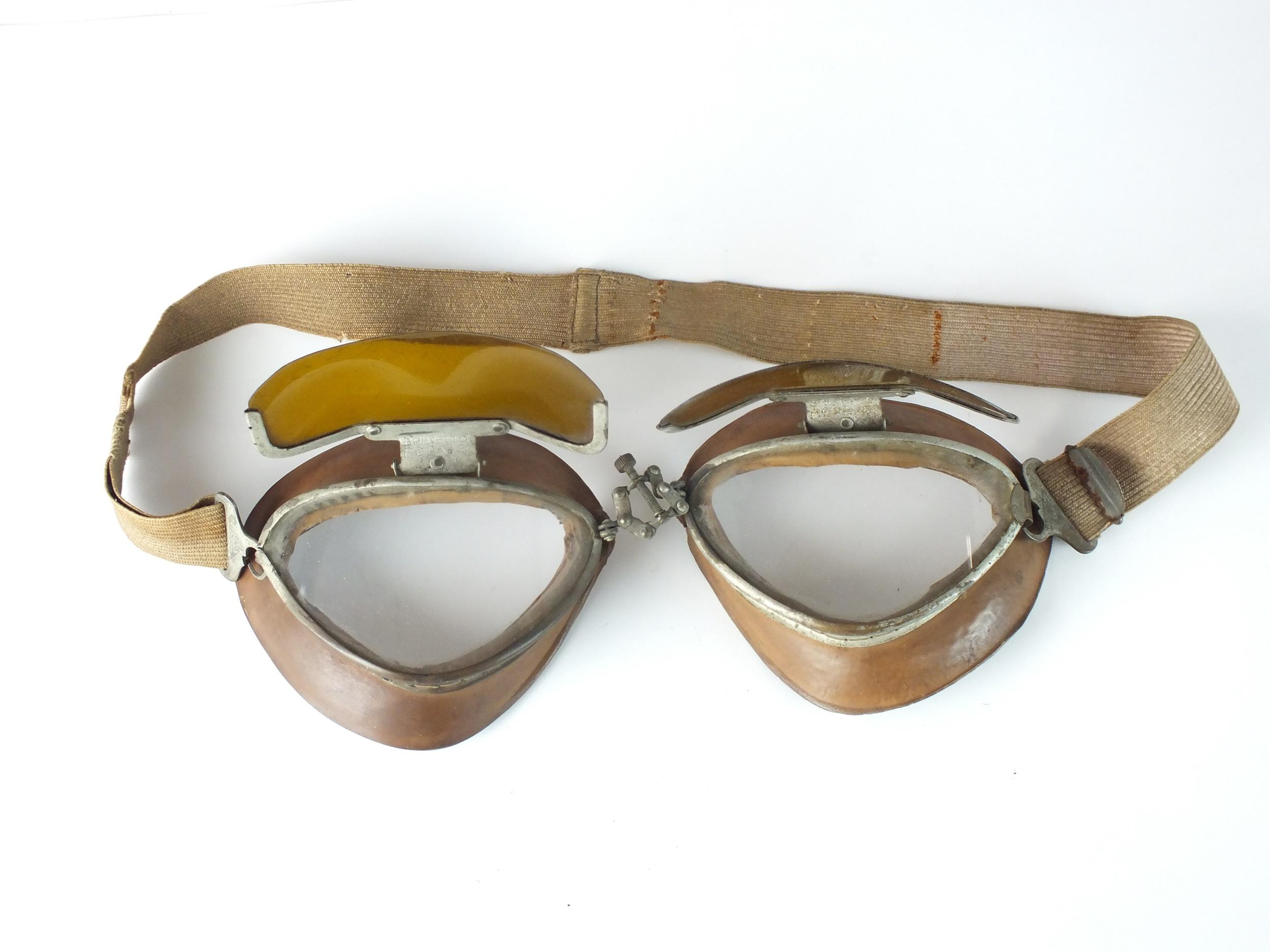 A scarce pair of Second World War Italian Regia Aeronautica flying goggles by Brevetto Fopais, - Image 2 of 3