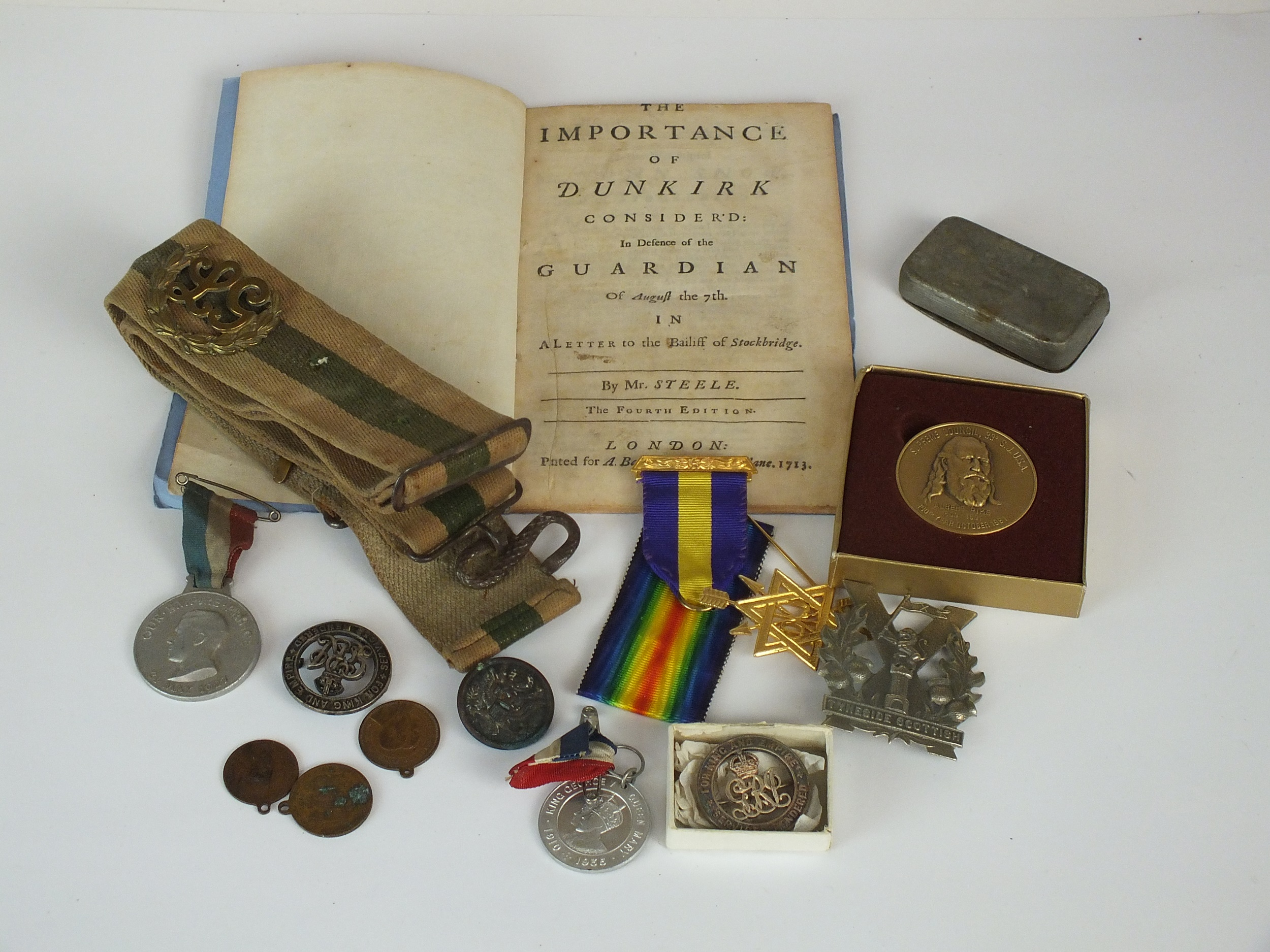 Miscellaneous assortment of medals and militaria