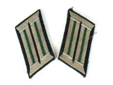 A set of Third Reich German Heer (Army) Jaeger Officer collar tabs with green piping (2)